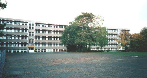 Ansicht des Schulgebäudes Czermaks Garten 8 (vom Hof aus)