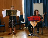 Musikalisches Zwischenspiel mit Flöte (Juliane Süß) und Gitarre